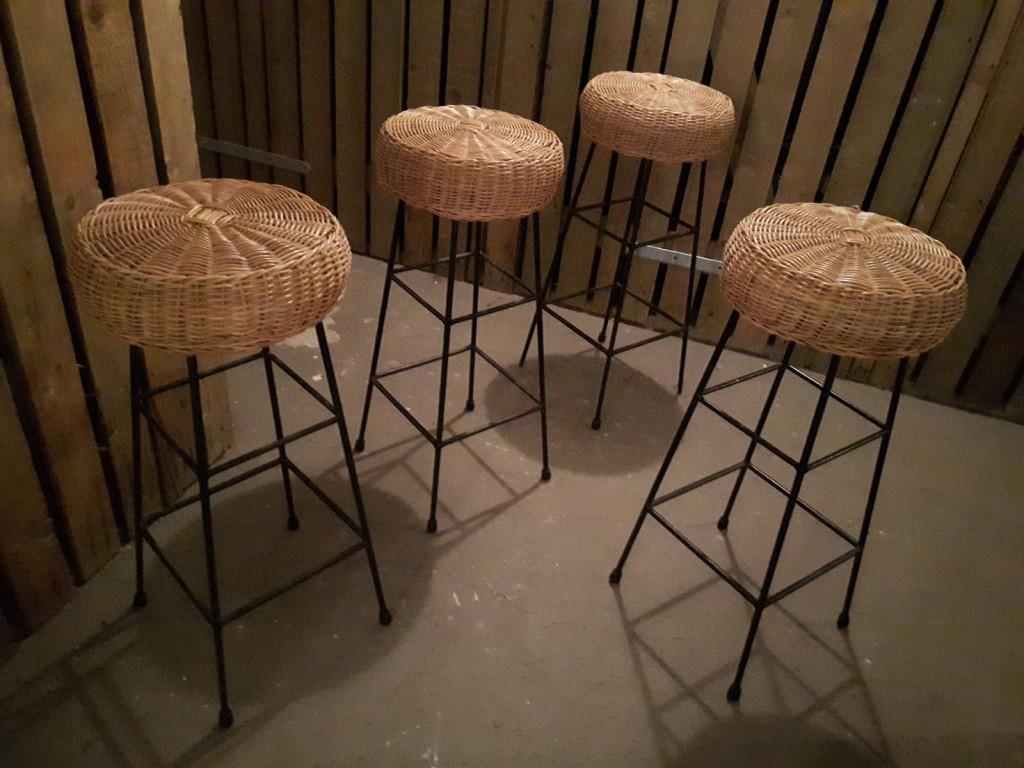 tiki-stool01